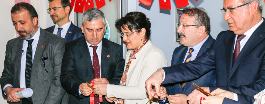 Türkiye'nin İlk Çocuk Obezite Merkezi İzmir'de Açıldı