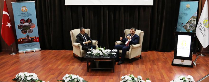 Sağlık Bakanı, Konya'da Tıp Fakültesi Öğrencilerinin Sorularını Yanıtladı