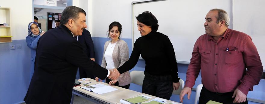 Sağlık Bakanı Koca, Oyunu Üsküdar'da Kullandı