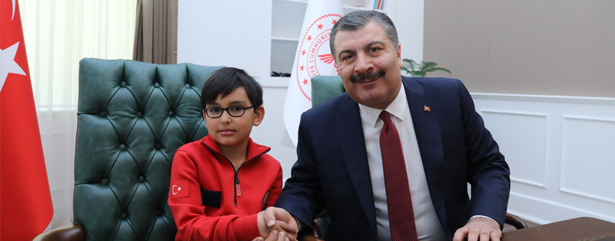 Sağlık Bakanı Koca, 23 Nisan'da Koltuğunu Devretti