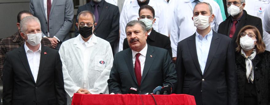 Bakan Koca, Gaziantep'te Yangının Çıktığı Hastanede İncelemelerde Bulundu