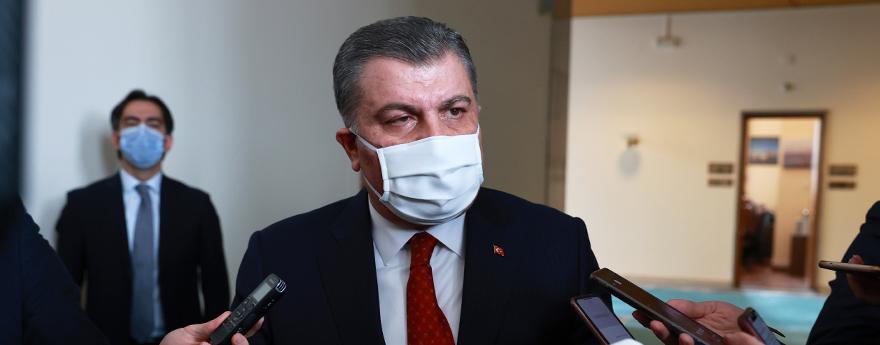 Bakan Fahrettin Koca, Parlamento Muhabirlerinin Sorularını Yanıtladı